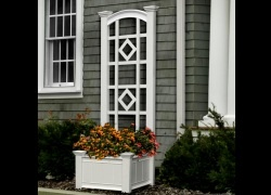 Trellis With Planter Box