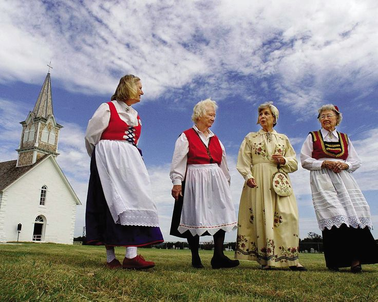 People From Norway | Norwegian costume ( bunads ) The History of Norway Facts about Norway ...