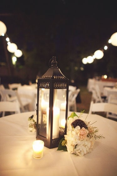 Beautiful wedding table decorations, we love how warm and welcoming it feels.
