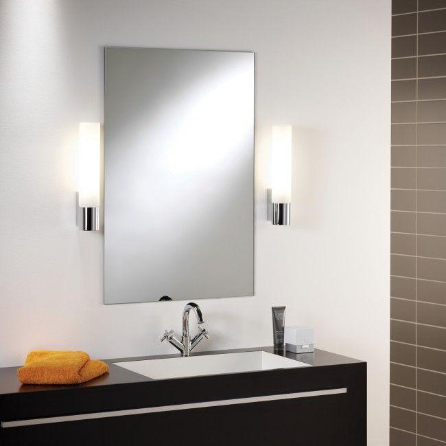 Bad Spiegel mit seitlicher Beleuchtung
