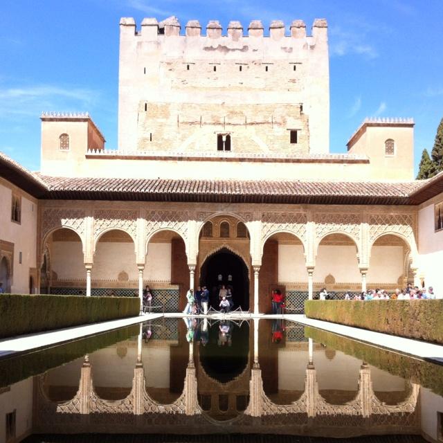 Alambra - GranadaBeauxx Endroits, Favorite Places, Paisajes España, Alambra, Monde Arabic, Merveilles Architectural, Idle Feet, Architecture Andalouse