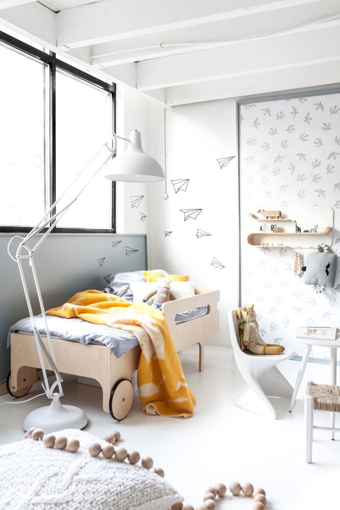 kids bedroom featuring r toddler bed from rafakids in natural finish
