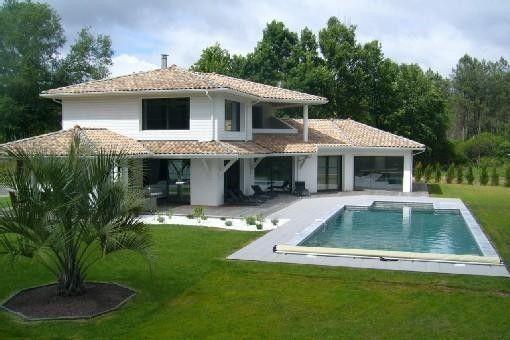 M15 : Saint-Michel-Escalus, Villa de vacances avec 5 chambres pour 12 personnes. Réservez la location 649546 avec Abritel. Villa de standing, piscine chauffée, spatieuse, lumineuse, entre forêt et océan