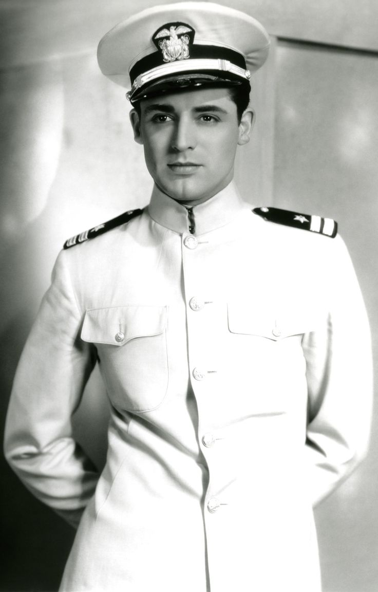 Afternoon eye candy: Cary Grant (30 photos)