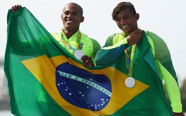 Isaquias Queiroz e Erlon de Souza conquistam medalha de prata para o Brasil. Foto: Divulgação/Rio 2016