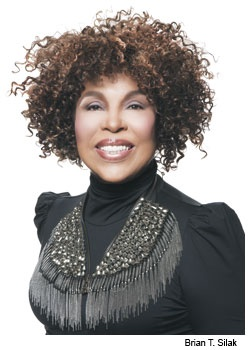 Roberta Flack, January 2013, for Cleveland Magazine. Interview prior to her performance on Jan. 26, 2013 with the CIM Orchestra at Severance Hall for the Cleveland Institute of Music benefit Roberta Flack: Set The Night to Music. Doesn't she look great with her beautiful natural hair and slim figure! Ageless Beauty!