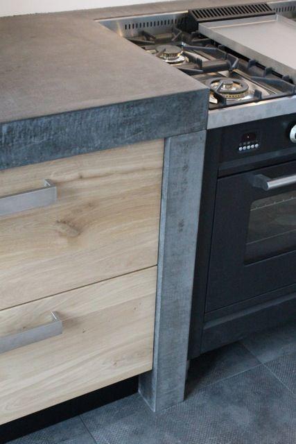 Naturel olie Koak Design Ikea keuken kasten met eiken houten fronten en robuust betonnen blad3