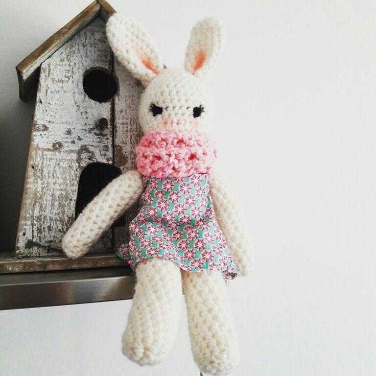 Jolie la lapine au crochet Amigurumi