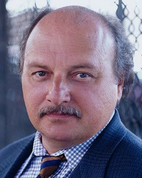 Dennis Franz -- Detective Andy Sipowicz in NYPD Blue -- was drafted after college into the Army where he served 11 months in Vietnam with the 82nd and 101st Airborne Divisions.