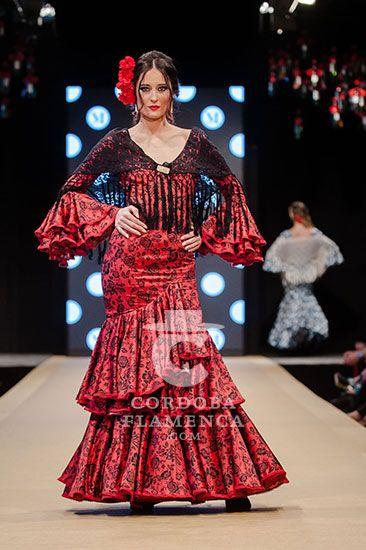 ad33511a22 Pasarela Flamenca de Jerez 2018 - Micaela Villa - Trajes de Flamenca 2018 -  Moda Flamenca 2018