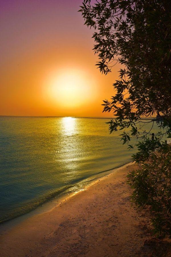 On Beach Manama Bahrain Beautiful Nature Beautiful Sunset Beautiful Sunrise