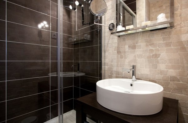 Pin by ang lique ma tresse on maison pinterest - Carrelage salle de bain taupe ...