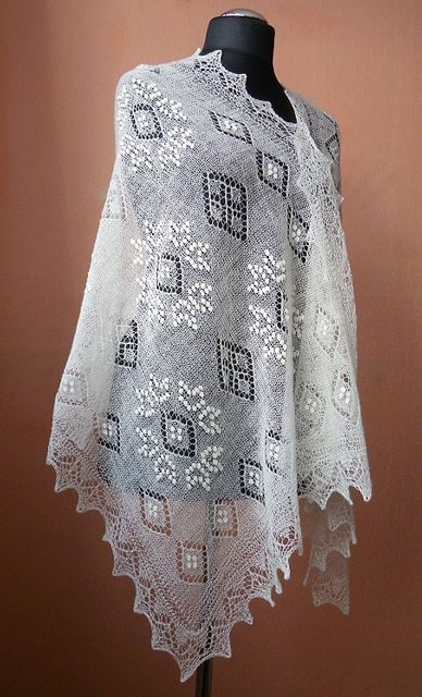 Haapsalu_shawl_with_Russian_star_pattern_byrees | Flickr - Photo Sharing!