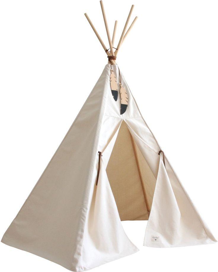 Das zauberhafte Tipi Nevada Pure Line Nobodinoz in Natur-Weiß ist perfekt für kleine Großstadtindianer, die sich einen Ort wünschen, an dem sie stundenlang spielen, träumen und Bücher anschauen können. Mehr Infos findet Ihr unter www.kleinefabriek.com