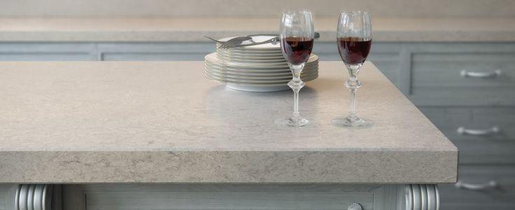 Stoßen wir auf den Feierabend an!  http://www.caesarstone-deutschland.com/quarzstein-produkte-quarzstein  #Caesarstone #Kunststein #Quarzstein #Arbeitsplatte #Küche