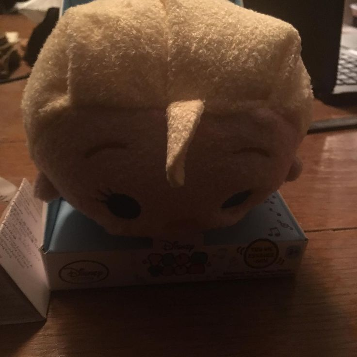 Horray! My Tsums from the first shipment is finally here. First, you see my musical Elsa from Frozen. ��  Tags: #tsumtsum #disney #disneystore #disneyfrozen #frozen #elsa http://misstagram.com/ipost/1546165954471687518/?code=BV1Fb5gFnVe