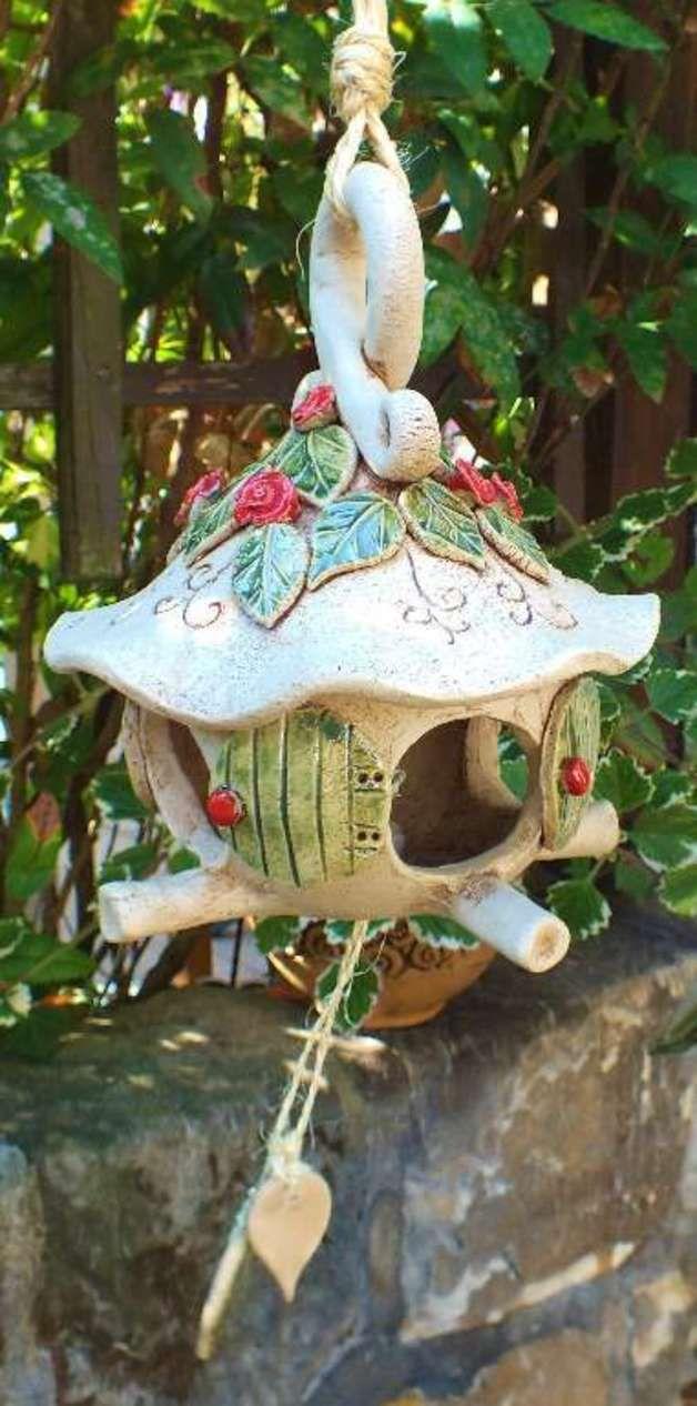 http://de.dawanda.com/product/49004358-Vogelhaus-Baumhaus-Nisthaus-Futterhaus-Keramik
