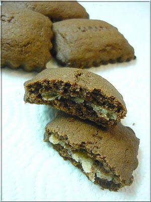 Limara péksége: Marcipánnal töltött csokoládés keksz