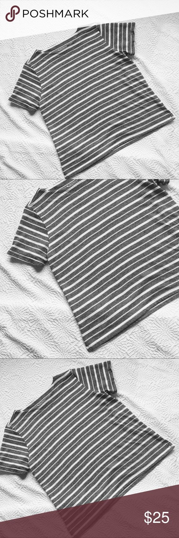 """Women Shirt Small Petite Grey Striped Oversized Bon Worth Women Shirt Small Petite Grey Gray White Striped Oversized Like New Vintage Measurements: Length 23.75"""" Shoulders 15"""" Armpit to Armpit 20.5"""". Fabric: 60% Cotton 40% Polyester. Made in the U.S.A Tops Tees - Short Sleeve"""