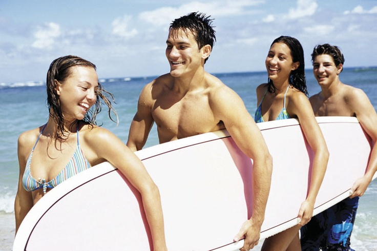 Contiki Travelers Surfing in Australia