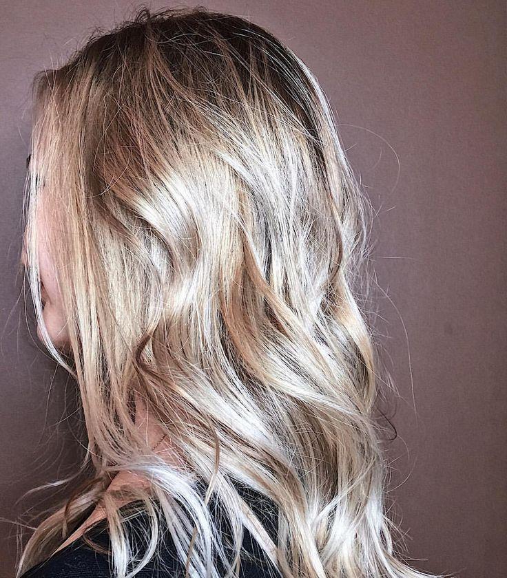"""Balayage 😊😉. - Слушай, у тебя волосы выглядят как будто это парик. - Так это парик и есть. - Надо же! Отличная штука, смотрится как настоящие волосы.😁 , всем хорошего дня и отличного настроения 😉🙌🏾 Balayage 😊😉. """"Listen, your hair looks like it's a wig."""" """"So this is the wig."""" - Wow! Great thing, it looks like real hair.😁, to all the good day and good mood! #shadowroot #ombrespb #ombre #behindthechair_com #behindthechair #balayage #balayagespb #balayagehair #balayageombre…"""