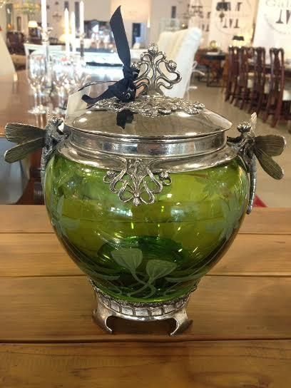 Covered Green Jar with Dragonfly accents #decor #galeriem #montreal #jar #accent #green #dragonfly #antique