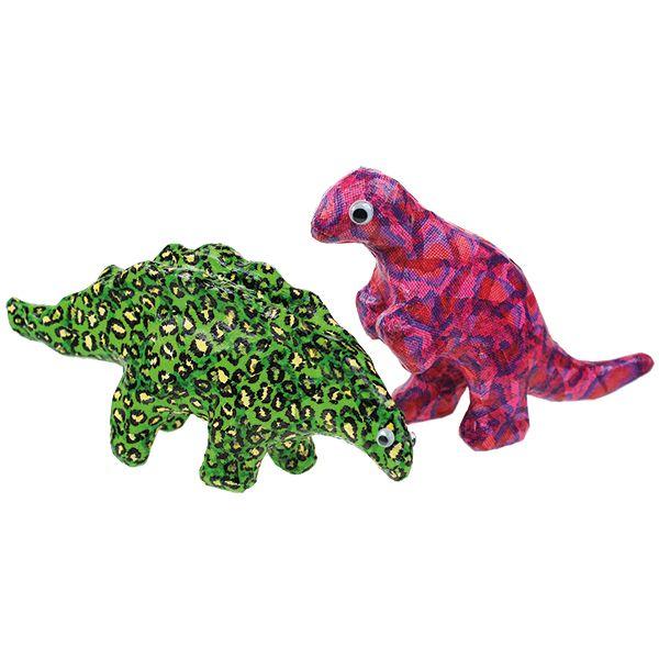 Pahviset dinosaurukset on päällystetty Decoupage-lakan ja silkkipapereiden avulla.