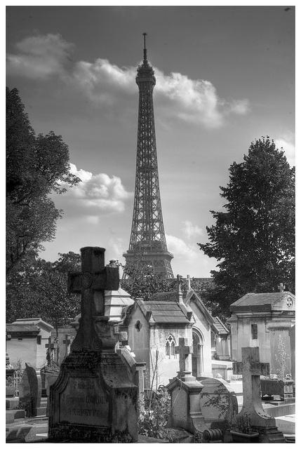 Passy cemetery 3 by bobcrowe com via flickr cemeteries for Extra mural cemetery brighton