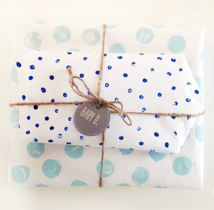 painted dots gift wrapping