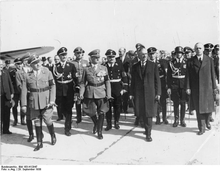 account of adolf hitlers foreign policy A secondary school revision resource for gcse history about modern world  history, international relations, the road to world war two and hitler's aims and.