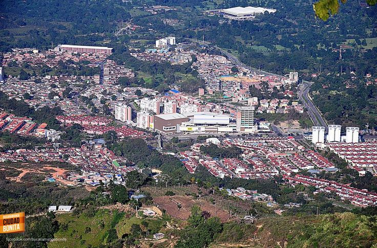 Hermosa panorámica de Piedecuesta a 10 minutos de Bucaramanga. Gracias @fataja3 por la foto. #bucaramangabonita
