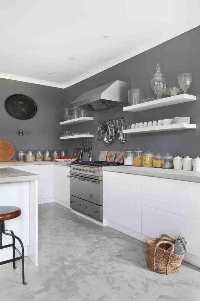 Oui pour une #cuisine grise et blanche ? #gris #blanc #déco http://www.m-habitat.fr/par-pieces/cuisine/quelles-couleurs-pour-ma-cuisine-2603_A