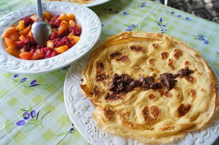 Elmira paleo konyhája: Tojáspalacsinta Chocollával és friss gyümölccsel
