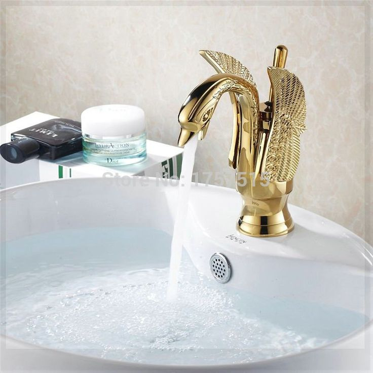 Купить товарМеди горячей и холодной краны титана меди позолоченный бассейна кран одной ручкой Centerset раковины ванной комнаты лебединое кран HJ 35K ванна в категории Смесители для умывальникана AliExpress.            &