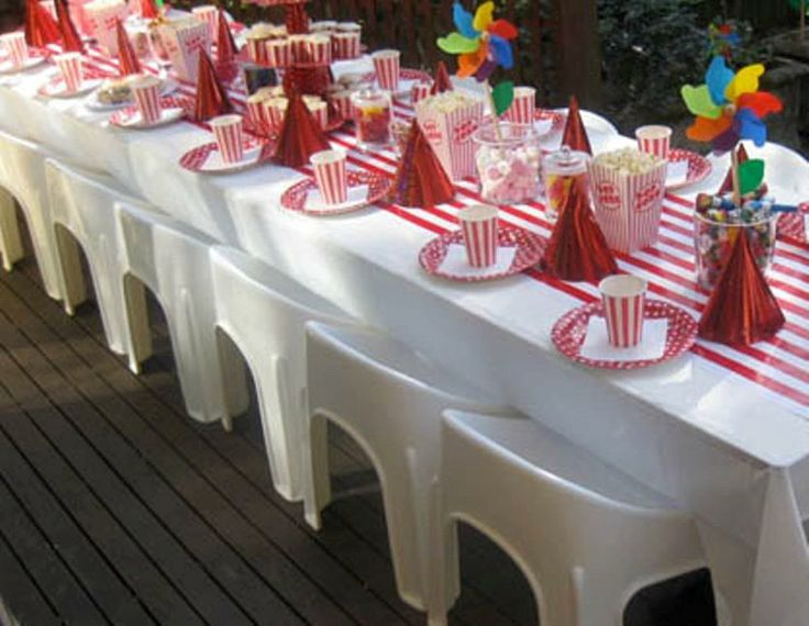 Carnival Themed Table Decorations Carnival Party Table carnivaltable ...