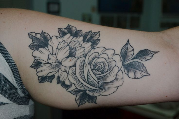 best 25 sexy female tattoos ideas on pinterest places for tattoos female hip tattoos and. Black Bedroom Furniture Sets. Home Design Ideas