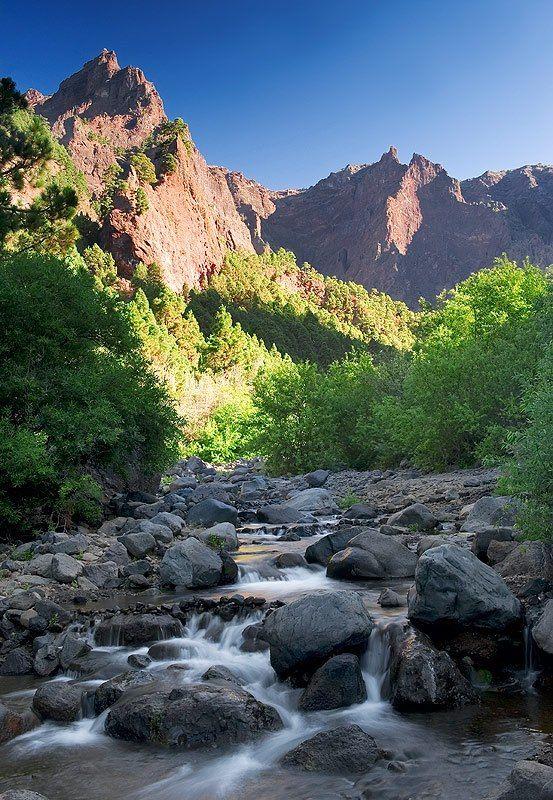 +++. . . . Caldera de Taburiente, La Palma, un lugar magnetico y especial