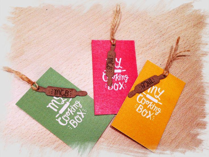 I nostri biglietti da visita con carta ecologica derivata da residui di agrumi #favinicrush @cutandpastelab #brandidentity