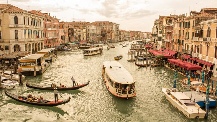 Itinerary (3-days): Venice, Italy .. Time for some romance? Leave your car behind and start living in the land of canals, water buses and dining amongst the sea ..