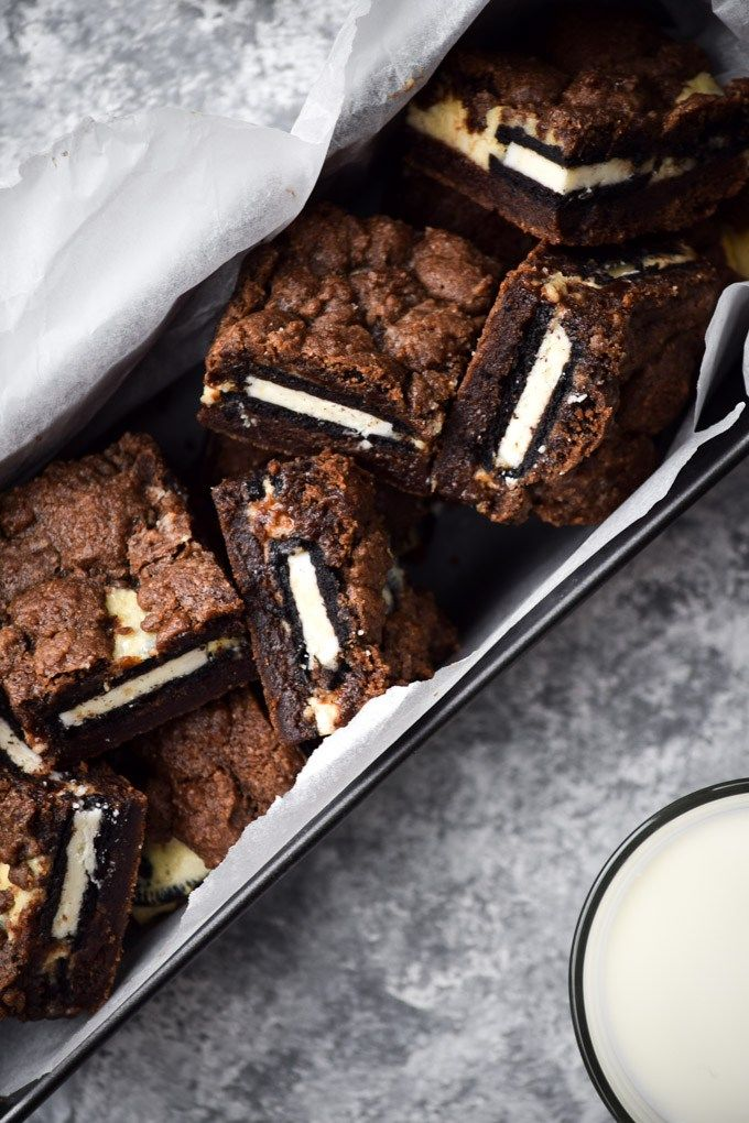 Cookies & Cream Cheesecake Brownie Bars (5)