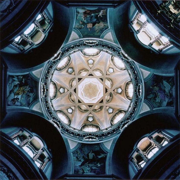 San Lorenzo, Turin, Italy, by David Stevenson