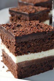 Dzisiaj proponuje przepis na ciasto, które jest nie tylko pyszne, ale i bardzo eleganckie. Zarówno smakiem jak i wyglądem zaskoczy...