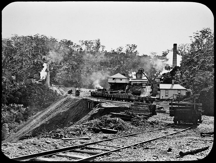 This is the Metropolitan Colliery and associated #railway at #Helensburgh in #NSW circa #1916. As one of the oldest continually operating coal mining operations in Australia, Metropolitan has been part of the Helensburgh community for more than 124 years. #throwbackthursday http://www.trade.nsw.gov.au/legal/copyright