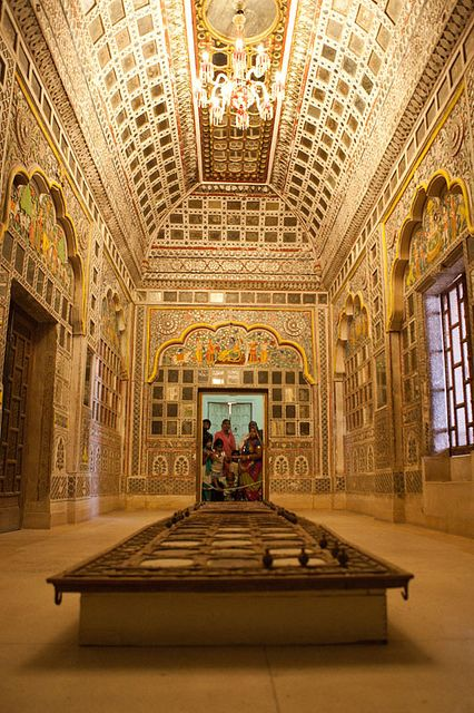 ॐ Jodhpur: Inside one of the beautiful rooms of Mehrangarh Hindu Fort: Darpan Mahal, or Hall of Mirrors, India ॐ