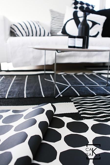 http://www.caisak.com Love the grafic design on all textiles