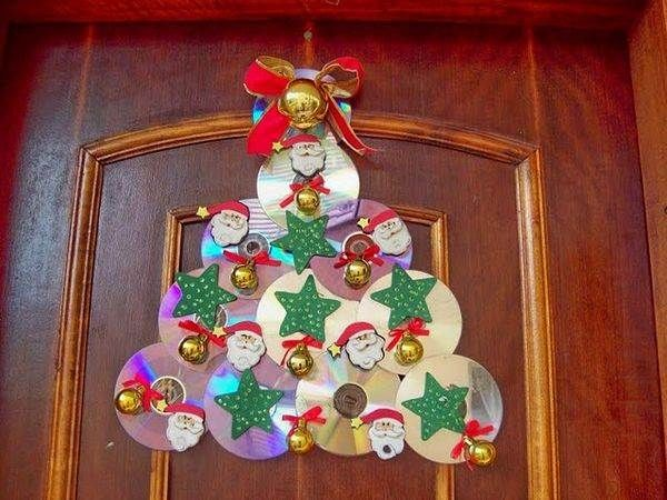 Adorno navideño con CD's reciclados