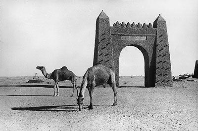 Das Tor zur Wüste, Adrar, Algerien, 1936 The gateway to the desert, Adrar, Algeria, 1936 ©Paul Almasy / akg-images