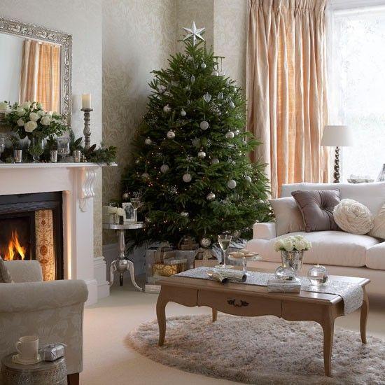 Cosy Christmas living room | Christmas living room decorating ideas | PHOTO GALLERY | Ideal Home | Housetohome