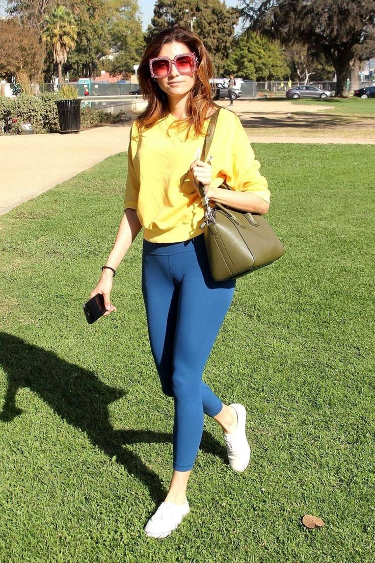 #BeverlyHills #BlancaBlanco #Booty #Tights Blanca Blanco Booty in Blue Tights Out in Beverly Hills   Celebrity Uncensored! Read more: http://celxxx.com/2017/12/blanca-blanco-booty-in-blue-tights-out-in-beverly-hills/