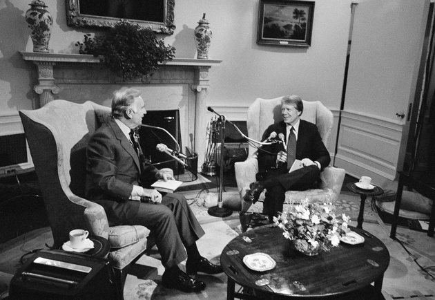President Jimmy Carter Talking With Cbs Journalist Walter